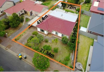 Golden opprtunity in the inner south - Renovate or redevelop!