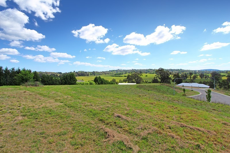 Stunning Views – Registered 1 Acre Block