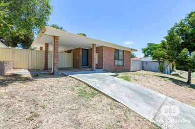 12 Craven Court, Withers,