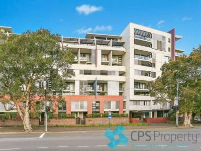 EXECUTIVE SPLIT-LEVEL TWO BEDROOM RESIDENCE IN POPULAR PARKSIDE COMPLEX