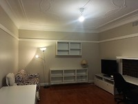 LARGE ONE BEDROOM APARTMENT NEAR SHOPS