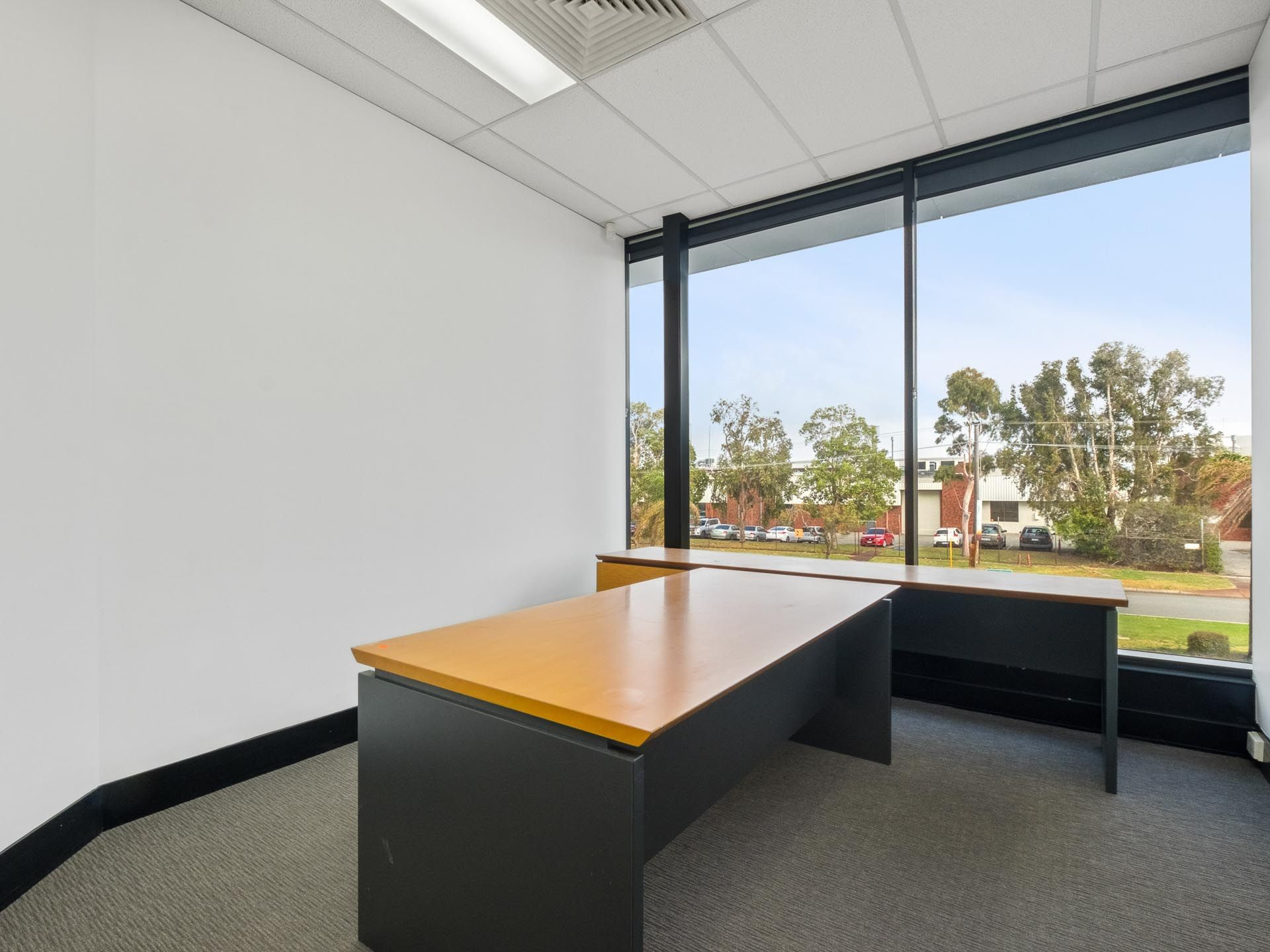 BUILD YOUR EMPIRE - STAND ALONE OFFICE