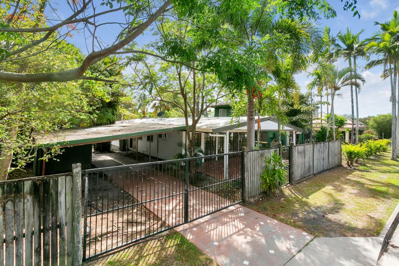 LOW MAINTENANCE LIVING LESS THAN 5 MINUTES TO THE CITY!