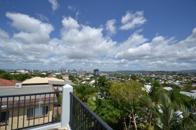 6/10 Miles St, Clayfield