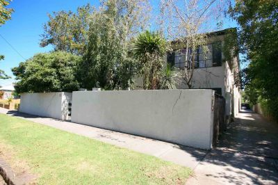 SECURE ONE BEDROOM APARMENT IN GARDEN SETTING