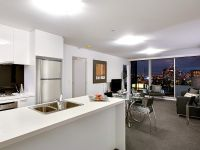 MAINPOINT - Stunning Near New Apartments! INSPECT 7 DAYS A WEEK!