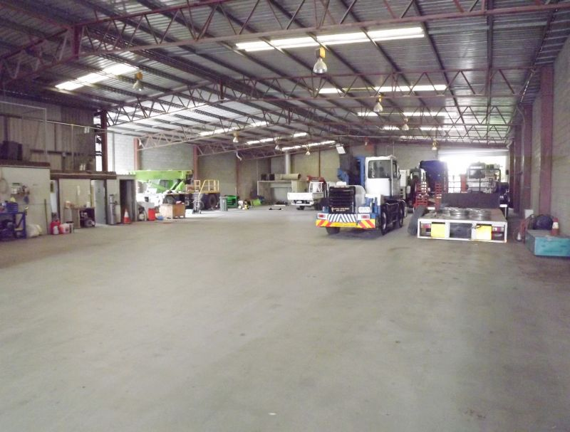 FREESTANDING DUAL TENANTED INDUSTRIAL INVESTMENT OPPORTUNITY