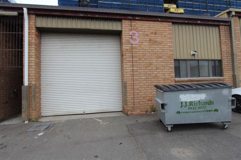 231m² Warehouse / Workshop