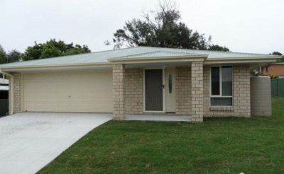 Executive home in central location for only $325.00 per week