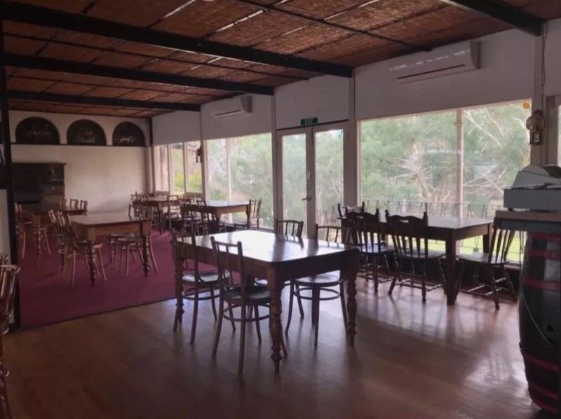 Historic Country Restaurant/Café in picturesque, prime main road location