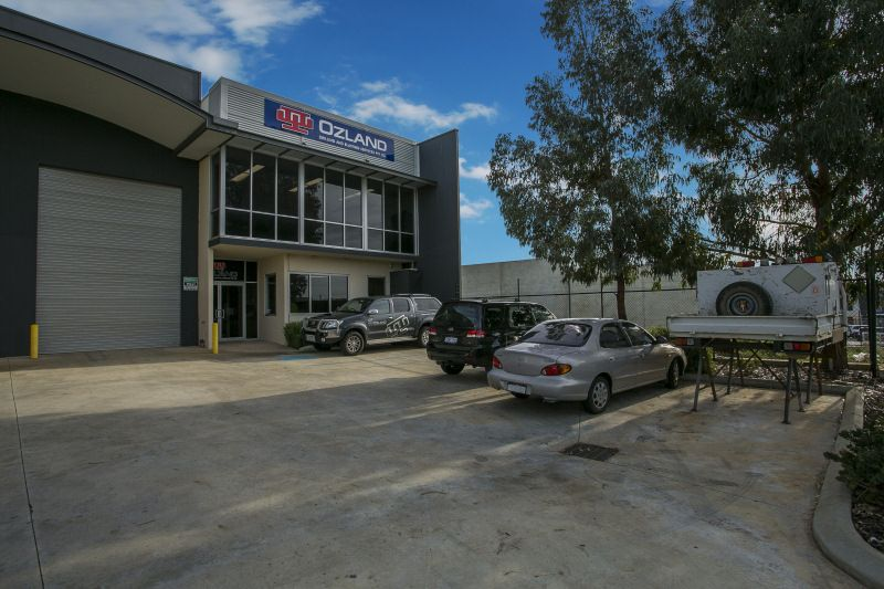 MODERN COMMERCIAL UNIT TO LEASE OR BUY