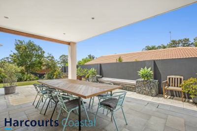 Beautifully Renovated House with Great Outdoor Area!!!
