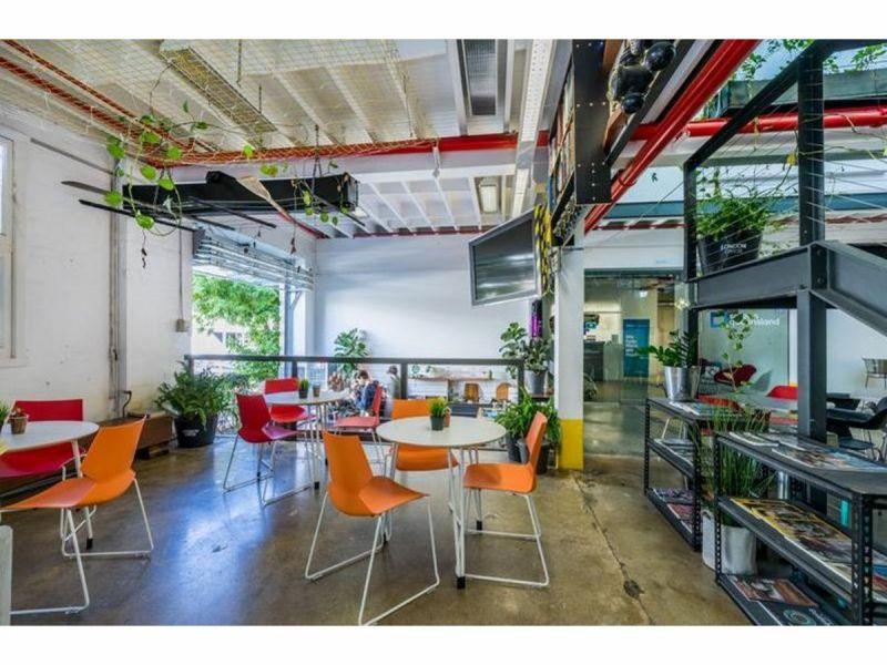 Great little office in trendy Heritage Woolstore