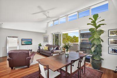 Short Term Luxurious Two-Storey Penthouse Apartment