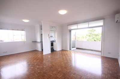 SPACIOUS & MODERN 2 BEDROOM APARTMENT IN THE HEART OF ROSE BAY!
