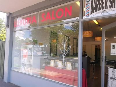 Luxuria Salon For Lease
