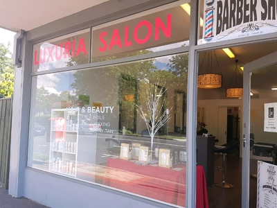 Luxuria Salon For Lease