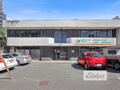 ADAPTABLE GROUND FLOOR OFFICE / RETAIL + 2 CAR PARKS!
