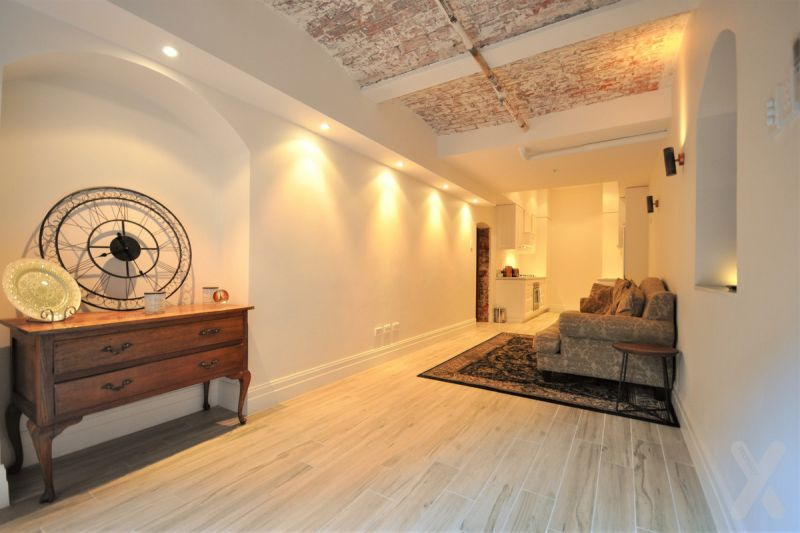 FURNISHED 'ONE OF A KIND' APARTMENT - Stunning Gordan Place!