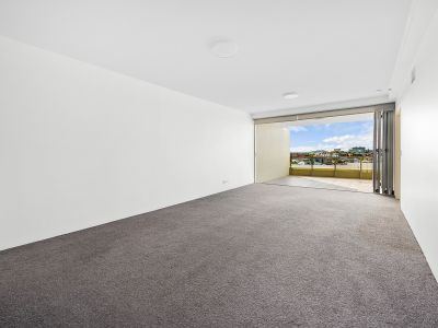 Quality 2 bedroom + study with 2 car parks