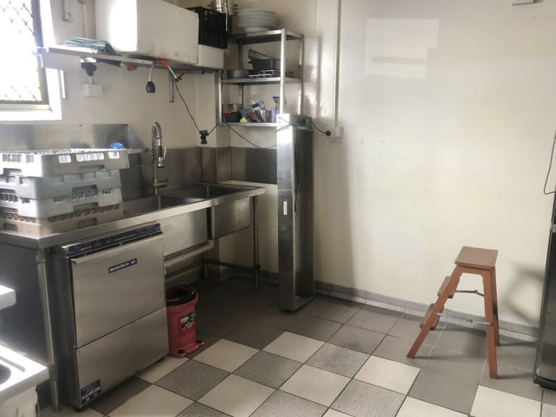 Fully Fitted Cafe / Restaurant - Just Walk In And Start Operating!