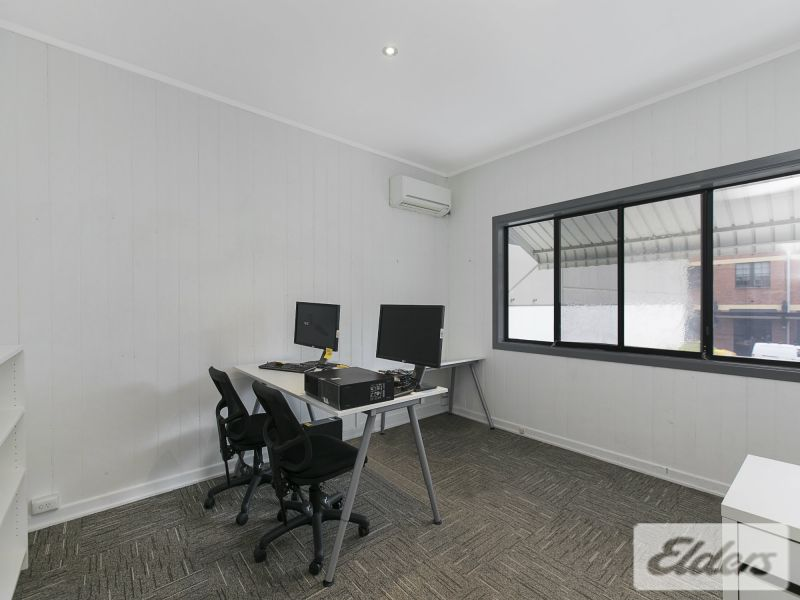 123 Commercial Road, Newstead
