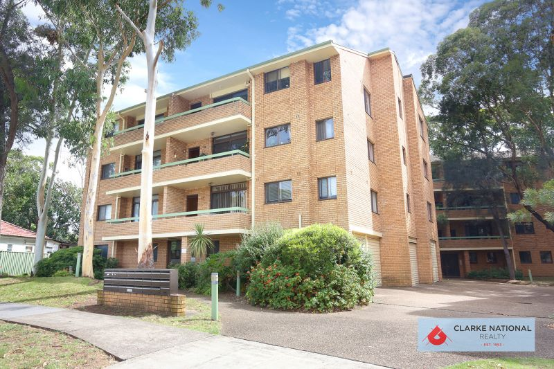 HUGE APARTMENT AND WALK TO REVESBY CBD