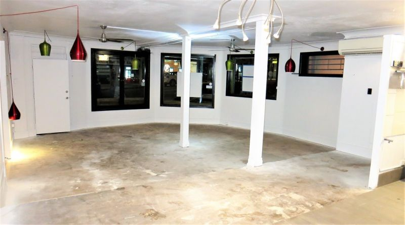 REDUCED RENTAL!! Retail Space With Food Prep Area