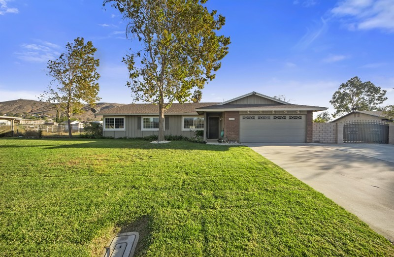 In Escrow! Ranch Style Horse Property!