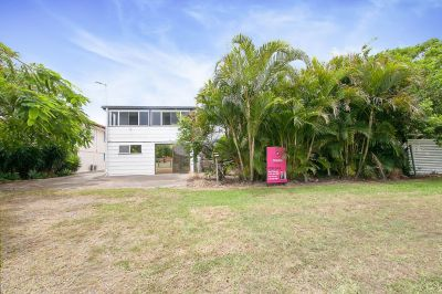 DUAL LIVING ON MASSIVE 5926SQM BLOCK  ABSOLUTE RIVER FRONTAGE