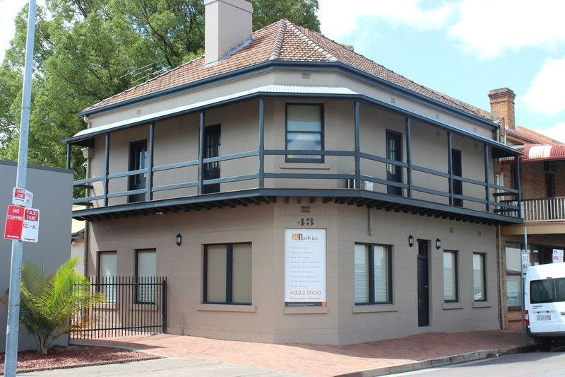 ADJACENT TO PENDER PLACE SHOPS & CENTRALLY LOCATED