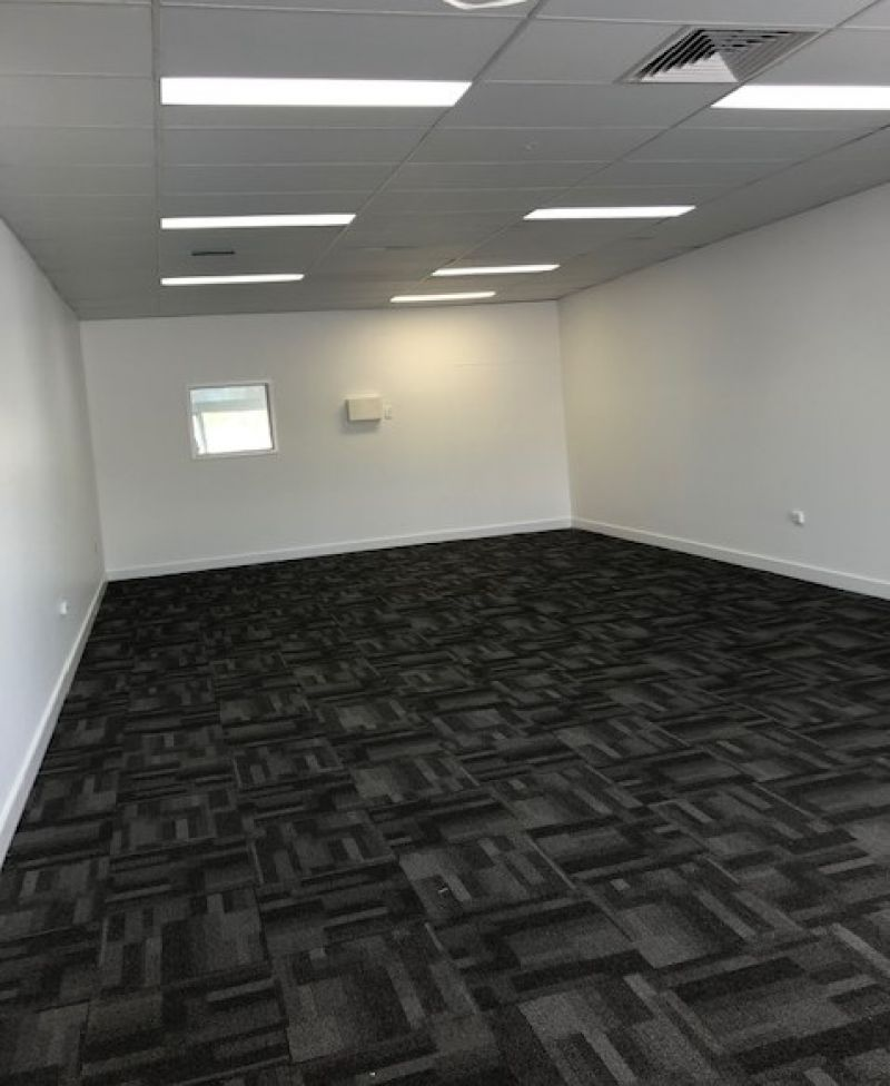 Prime retail or professional office tenancy
