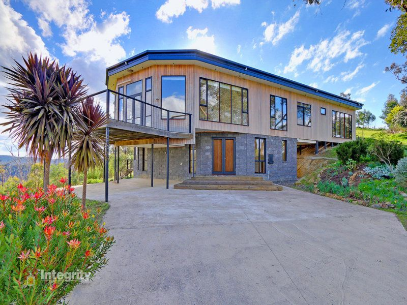 STUNNING HOME TO RENT WITH SPECTACULAR VIEWS