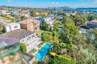 Tightly Held Family Home With North Aspect and Panoramic Views From Harbour Bridge To The Heads