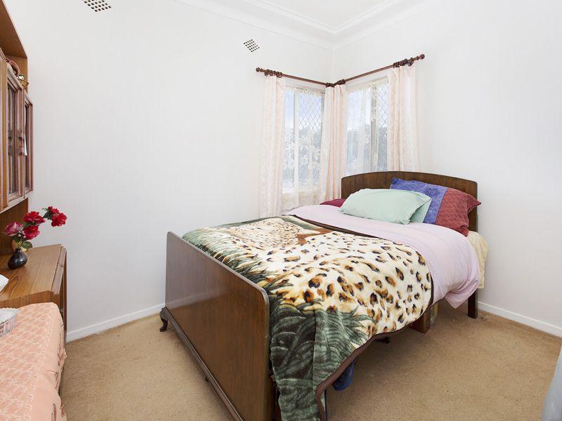 140 Pioneer Road, Towradgi NSW