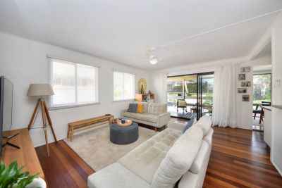 Spectacular Entertainer within Footsteps of the Beach