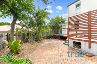 = HOLDING DEPOSIT RECEIVED = OVERSIZED COURTYARD APARTMENT - PETS CONSIDERED UPON APPLICATION