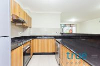 = HOLDING DEPOSIT RECEIVED = LARGE, AFFORDABLE AND SPACIOUS APARTMENT IN IDEAL LOCATION