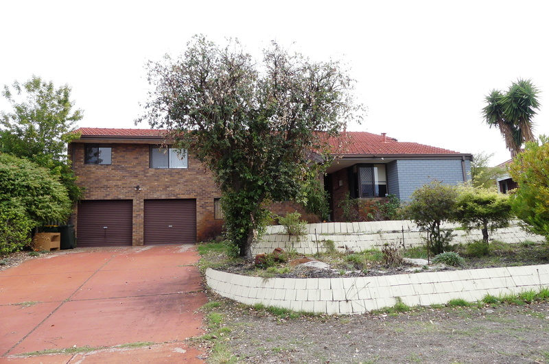 GREAT VALUE - NEAR RIVER LARGE DOUBLE STOREY FAMILY HOME
