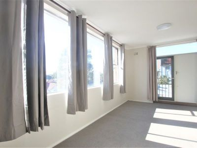 Spacious Sun-Filled One Bedroom Apartment on Top Floor