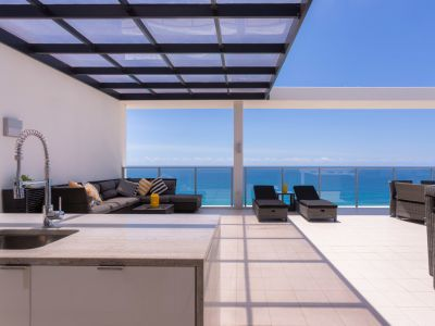 Prestigious Sky Home with The Best Rooftop Terrace on the Gold Coast