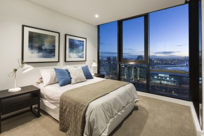 MelbourneONE: Stunning Views and Large Living Spaces!