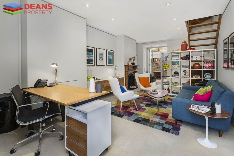 Spacious Commercial Terrace - Ideal for Office Or Showroom