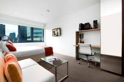 City Tempo: 14th Floor - Fantastic Inner City Studio Apartment!