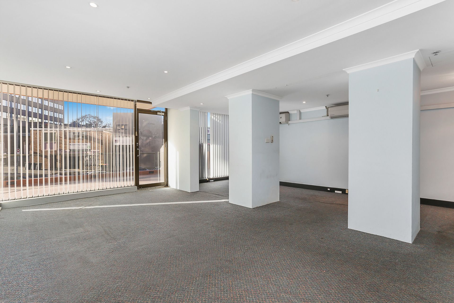 GROUND FLOOR OFFICE/SHOP WITH MAIN ROAD EXPOSURE!