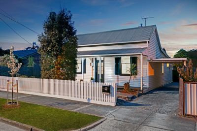 Charming Family Home in a Blue Chip Location!