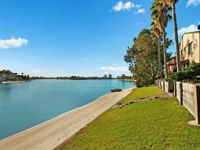 Sparkling waterfront on Lake Intrepid