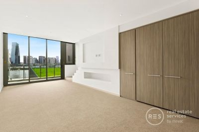 Loft style apartment on Yarra's Edge