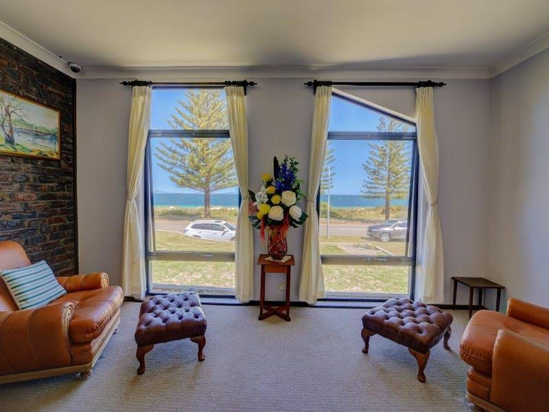 For Sale By Owner: 32 Castletown Quays, Castletown, WA 6450