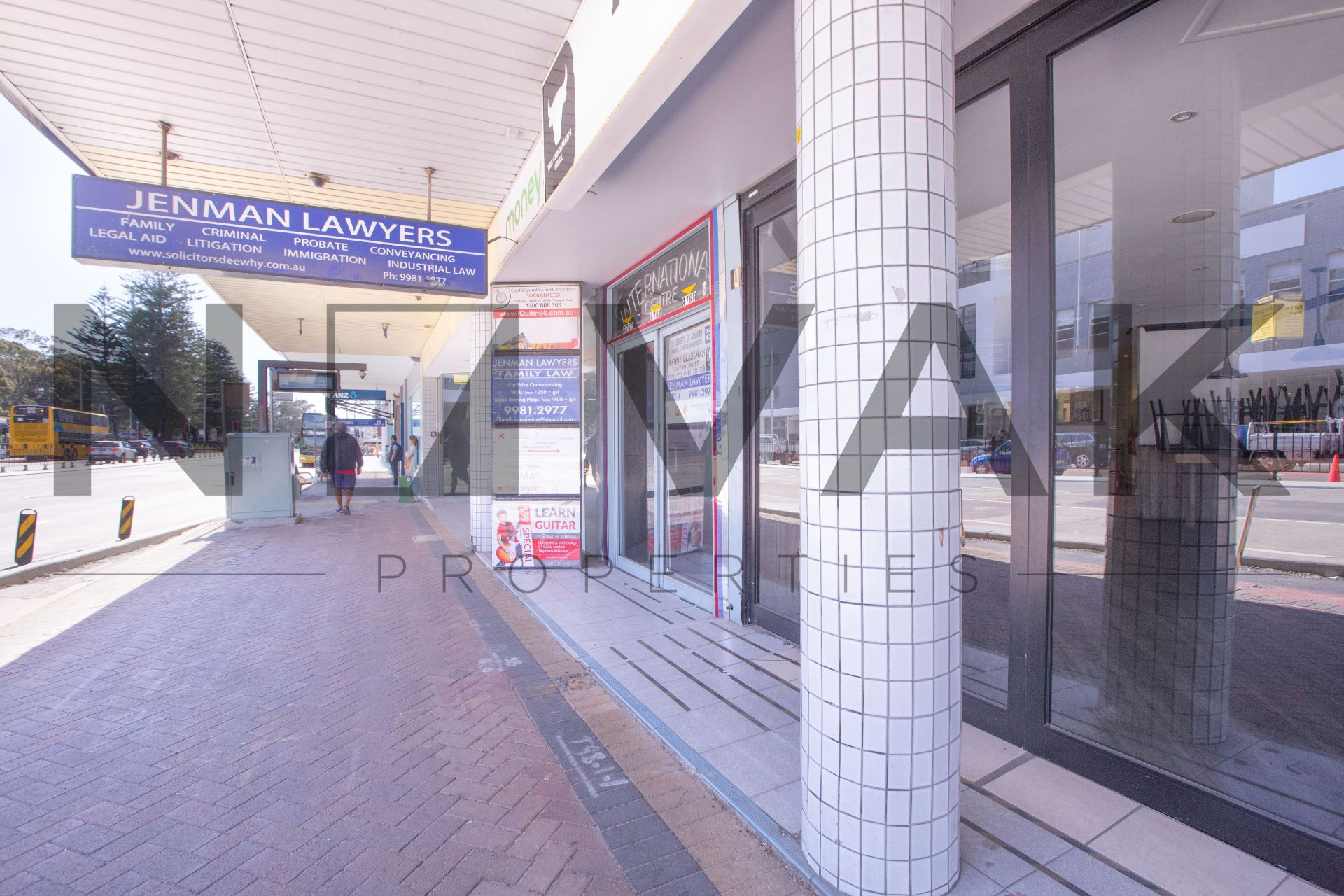 CONVENIENT OFFICE SPACE IN THE MIDDLE OF DEE WHY